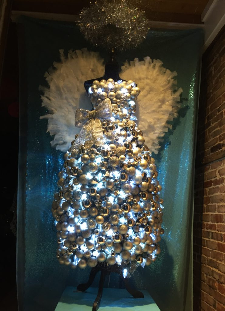 Design of Mine's Angel Window | Downtown Gloucester Holiday Window Contest